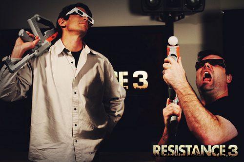 Supporto a PlayStation Move, Accessorio Tiratore Scelto e 3D Stereoscopico per Resistance 3!